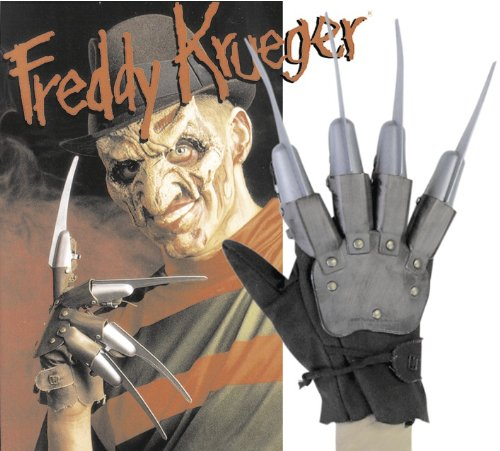 Close Up FREDDY KRUEGER GLOVE WITH FAKE