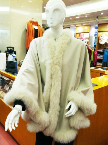 CASHMERE CAPE WITH FOX FUR TRIMMING from Cashmere Pashmina Group (IVORY)