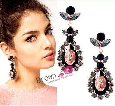 - Full retro palace beauty head diamond gemstone long earrings no pierced ear clip dress 28