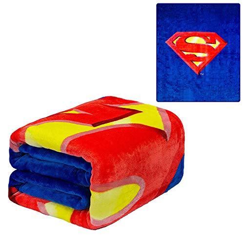 (JPI DC Comics Superman Flannel Queen Plush Blanket - Superman Shield - Officially Licensed - Super Soft & Thick)