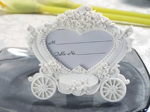 (Enchanting wedding coach photo frame From FavorOnline)