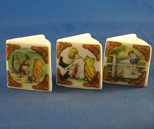 ectable - Miniature Book Thimbles Set of Three - Winnie the Pooh (Collectable Miniature)