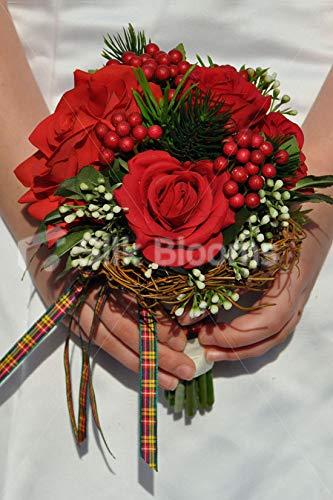 Silk Blooms Ltd 人工レッドローズとベリークリスマスにインスパイアされたブライズメイドブーケ 松とアイボリーリボン付き B07H8HHLFG