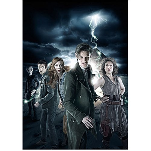 Alex Kingston as River Song with with cast in Dr. Who lightning bolt promo 8 x 10 Inch ()