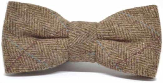 Classic cotton tana lawn lining. Green Herringbone tweed bow tie Harris tweed bow tie Wedding tie