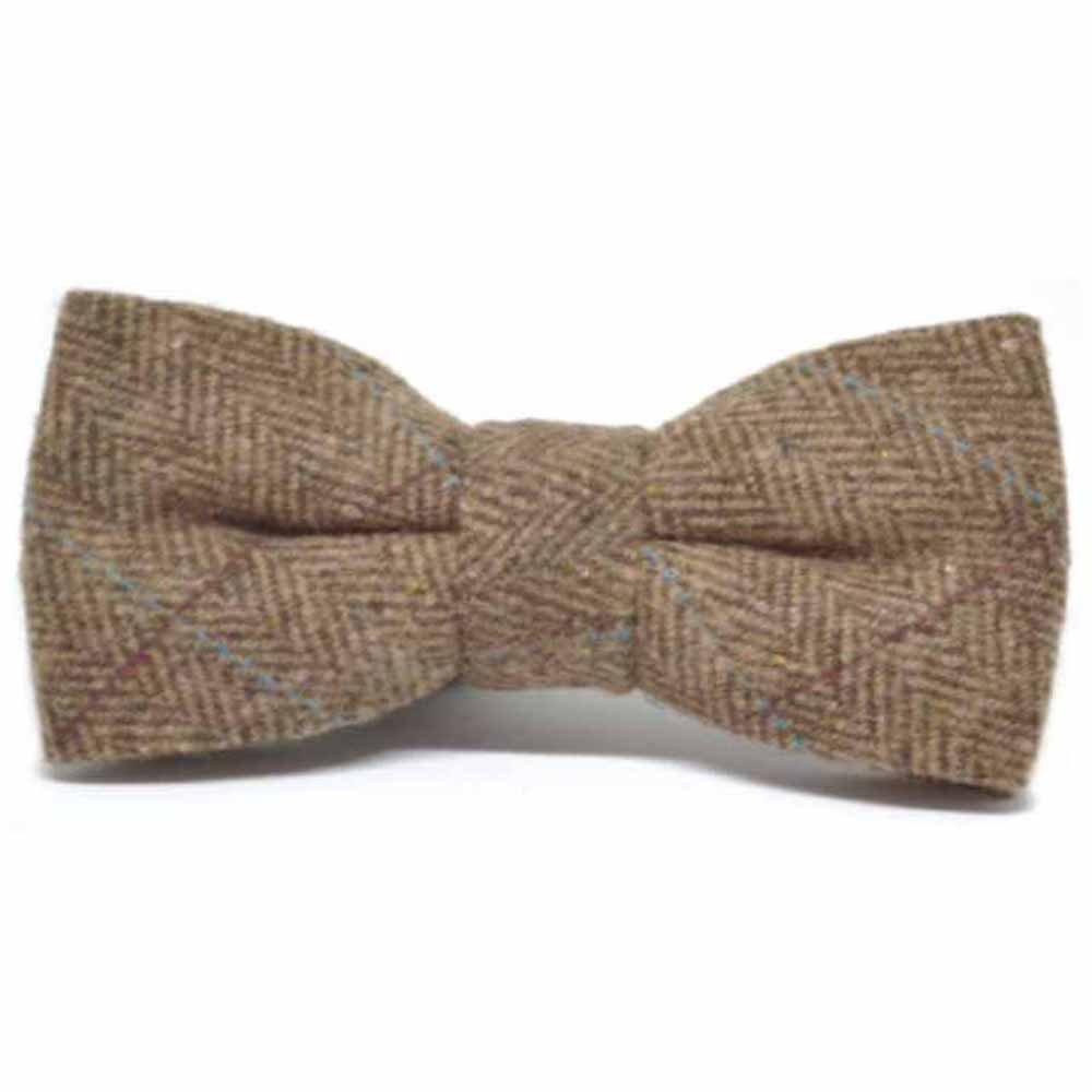b04d3b0b21b6 Luxury Herringbone Brown Tweed Bow Tie: Amazon.co.uk: Clothing