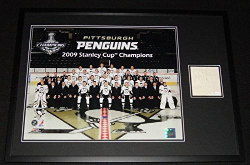 Stanley Framed Cup 2009 (Signed Crosby Picture - Framed 2009 Stanley Cup Team 21x29 Display - JSA Certified - Autographed NHL Photos)