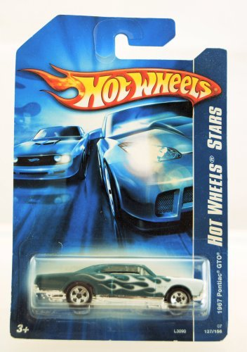 Hot Wheels - 2007 Hot Wheels Stars - 1967 Pontiac GTO - #137/156 - Green w/ White Flames - Limited Edition - Collectible