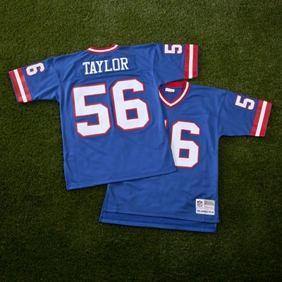 New York Giants Lawrence Taylor 1986 Replica Jersey  Amazon.co.uk  Kitchen    Home 1009aebfa