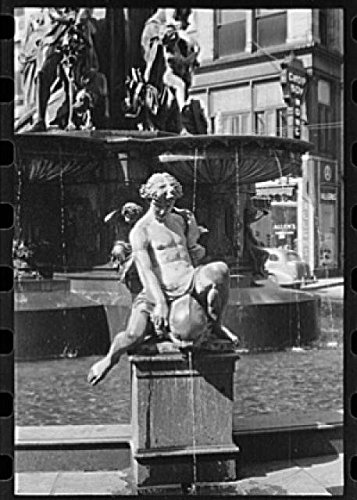 Photo: Fountain Square,Cincinnati,Ohio,OH,October 1938,John Vachon,FSA,United - Oh Square Cincinnati Fountain