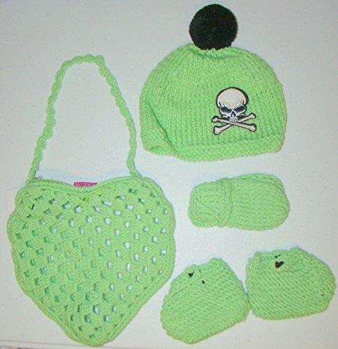 Bolsa de en forma de corazón verde con gorro, manoplas y ...