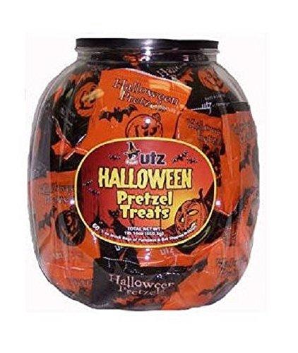 Utz Halloween Pretzels - 70 Bags Per Tub]()