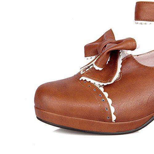 AllhqFashion Damen PU Rund Zehe Mittler Absatz Schnalle Gemischte Farbe Pumps Schuhe Braun
