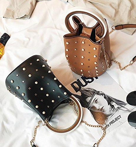2018 new catwalk models bucket bag rivet ring pearl handbag Shoulder Messenger packet women girl chain Catwalk Chain