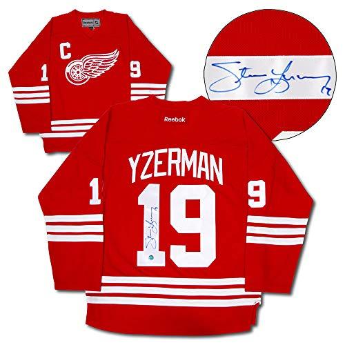(AJ Sports World Steve Yzerman Detroit Red Wings Autographed Reebok Replica Hockey Jersey)