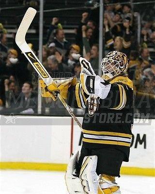 Tim Thomas Boston Bruins victory pump 8x10 11x14 16x20 photo 649 - Size 8x10
