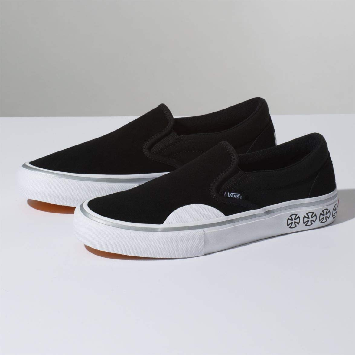 Vans x Independent Slip,On Pro Sneakers (Black/White) Mens Classic Skate  Shoes