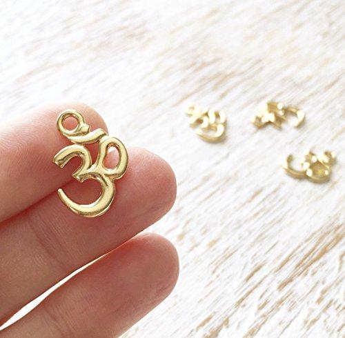 24 Bright Gold Tone Om Charm Small Yoga Religious Ethnic Charm 1510mm (CB067)