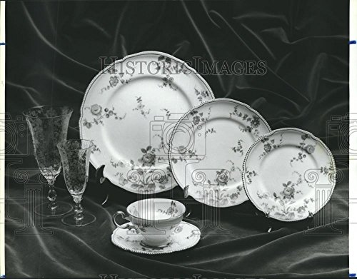Historic Images 1986 Press Photo Rose Point by Cambridge Crystal China Dishes, Replacements Ltd - 8.25 x 10.5