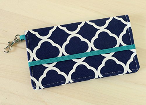 kailo-chic-extra-large-cell-phone-wallet-navy-quatrefoil-trellis-print-with-crossbody-strap