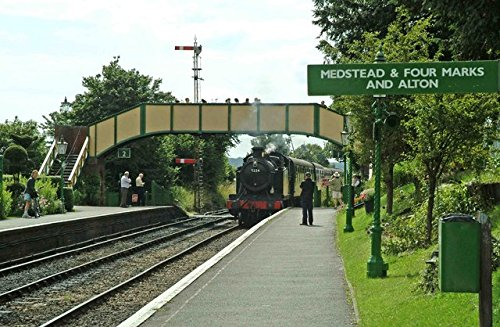 Home Comforts Laminated Poster Ex-GWR Tank Engine 5224 Entering Ropley Station. On its Way to The Terminus of The Mid Hants Railway Vivid Imagery Poster Print 24 x ()