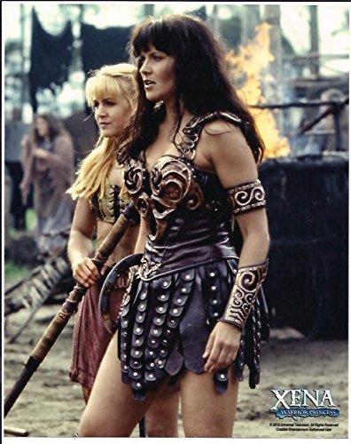 Xena Warrior Princess Lucy Lawless & Renee O'Connor Photo #8 walking