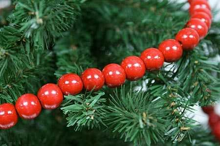 Factory Direct Craft  Red Wooden Bead 9 Foot Christmas Garlands