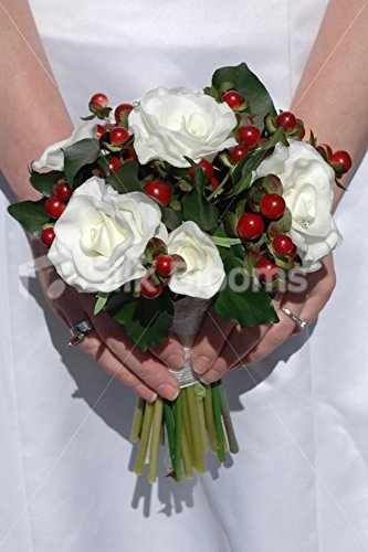 Christmas Wedding Bouquets Uk.Real Touch White Rose Red Berry Christmas Wedding Bouquet