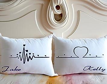 Amazon.com: Nombre personalizado pareja funda de almohada ...