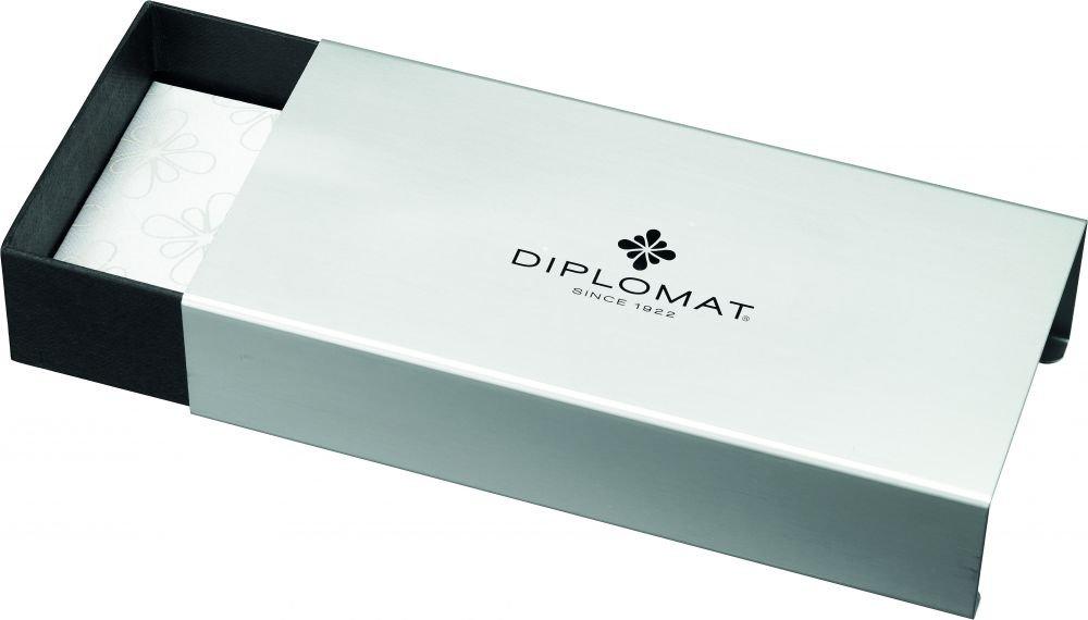 Diplomat Diplomat Diplomat D40102018 A Plus Rom Füllfederhalter mit 14 ct breite Feder, schwarz weiß B0784QC1VX | Erschwinglich  e3d161
