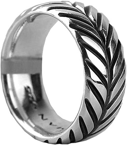 Silver chevron fitted Flame ring.