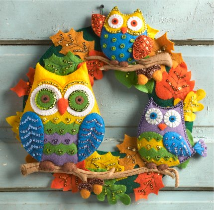 Bucilla Felt Applique Wall Hanging Kit, 17 by 17-Inch, 86562