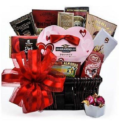Hearts-on-Fire-Valentine-Gift-Basket