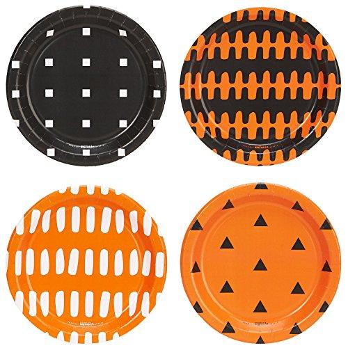 BirthdayExpress Halloween Assorted Appetizer Plates (32)