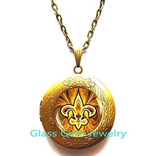 (Fleur de lis Locket Necklace , Fleur de lis Locket Pendant, fleur de lis jewelry, heraldry jewelry royal heraldic sign,Q0118)