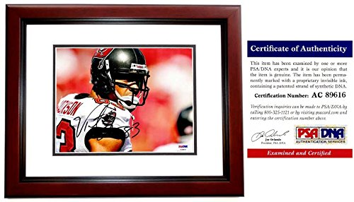 (Vincent Jackson Signed - Autographed Tampa Bay Buccaneers - Tampa Bay Bucs 8x10 inch Photo MAHOGANY CUSTOM FRAME - PSA/DNA Certificate of Authenticity (COA))