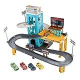 Disney Juego Cars 3 Set con Garage Motorizado - Exclusivo en Amazon