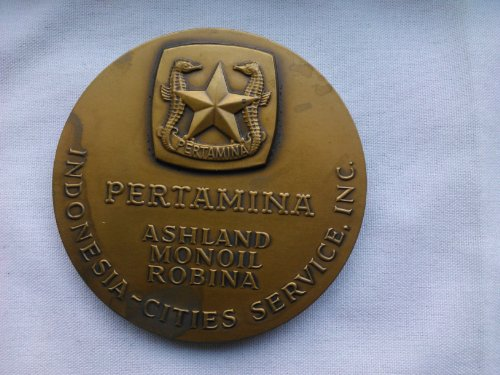 JAVA SEA POLENG A N°1 DISCOVERY WELL, OCTOBER 1972, MADURA, JAVA SURABAYA , INDONESIA,(revers medal), PERTAMINA ASHLAND MONOIL ROBINA, INDONESIA CITIES - Store Robina