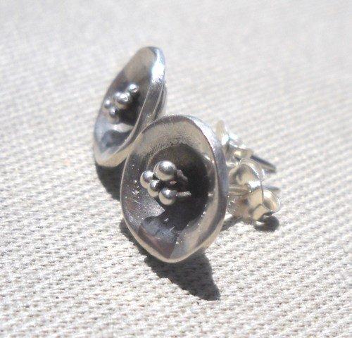 925 Sterling Silver Earrings, Flower Earnings, Stud Earnings, Silver hammered, Rustic Oxidized Jewelry