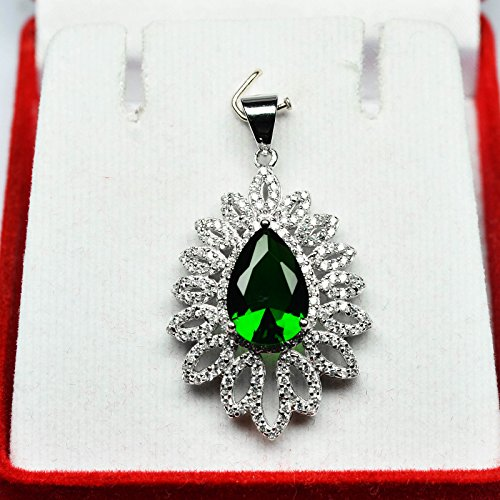 [Total Weight 26.65ct TOP Green Tsavorite Garnet White Sap 925 Silver Pendant] (Tsavorite Green Garnet)