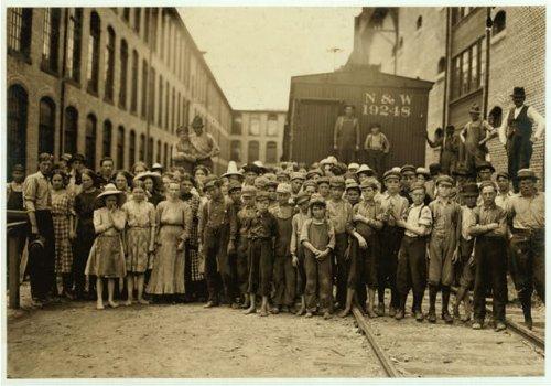 HistoricalFindings Photo: Washington Cotton Mills,Fries,Virginia,Child Labor,Lewis Wickes Hine,May 1911,1