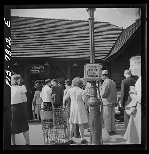 (1942 Photo New York, New York. Waiting in line for rowboats at the Central Park lake boat house on Sunday Location: New York)