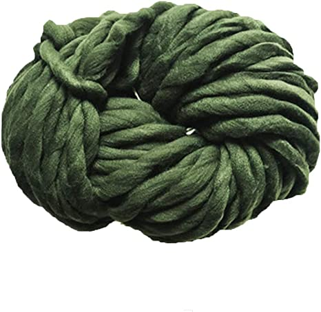 - New /& Smoke Free Home Super Bulky Green Lion Brand Quick /& Cozy in Olive 6