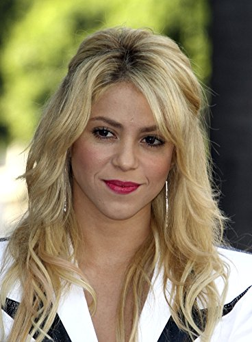 Shakira At The Induction Ceremony For Star On The Hollywood Walk Of Fame Ceremony For Shakira Photo Print (16 x -