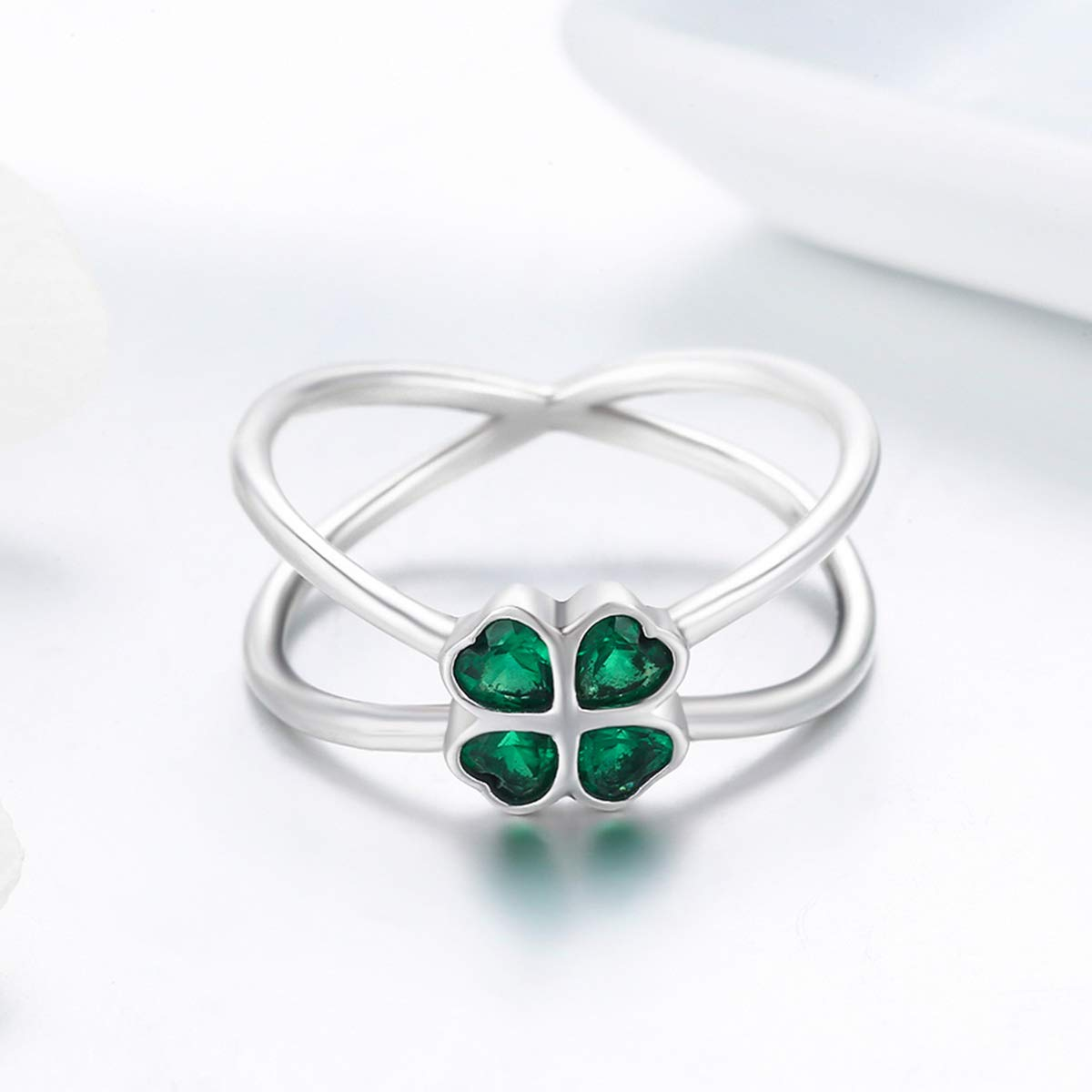 The Kiss Lucky Green Clover Flower 925 Sterling Silver Ring Green CZ