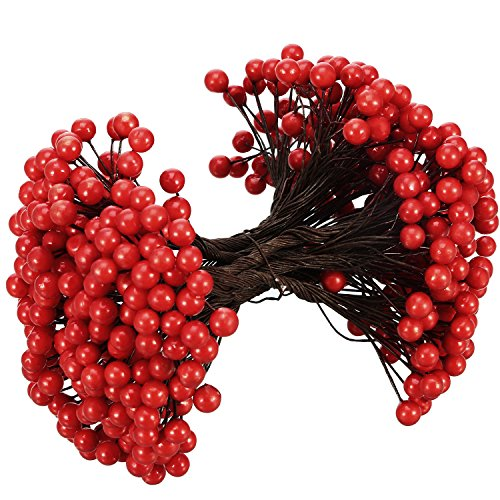 - BBTO Artificial Holly Christmas Berries on Wire Stems, 250 Stems with 500 Pieces 8 mm Fake Berries for Xmas Tree Decorations Wreath Craft Use Wedding Party Favor (Red)