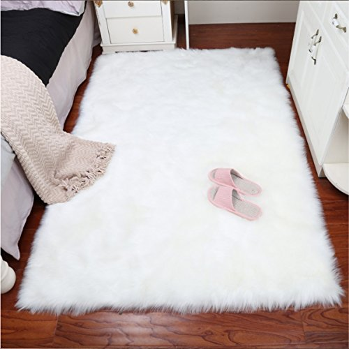 HLZHOU Faux Fur Soft Fluffy Single Sheepskin Style Rug Chair Cover Seat Pad Shaggy Area Rugs for Bedroom Sofa Floor (2.5x4 Feet(75X120cm), Square White) (Sofas Area)