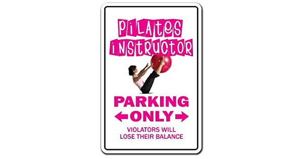 Amazon.com: Instructor de Pilates estacionar Yoga gimnasio ...
