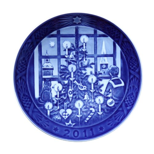 2011 Royal Copenhagen Christmas Plate - 104th Edition - Waiting for Santa Claus ()
