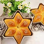 Gessppo Non-Stick Snowflake Shape Cake Mold Steel Pan Bun Bread Mould Kitchen Bakeware Resistant High Temperature, Reusable and Durable 7 ❤❤Quantity:1pc-----Material:Carbon Steel-----Size :21.2x21.2x5cm-----Color:gold-----Package Include:1pc cake mold ❤️❤️12 Cup Silicone Muffin - Cupcake Baking Pan / Non - Stick Silicone Mold / Dishwasher - Microwave Safe; 2Packs Silicone Mini Muffin Pan, Silicone Molds for Muffin Tins, Cupcake Baking Pan (Red);Ware Platinum Collection Heritage Bundt Pan ❤️❤️Reusable Silicone Baking Cups, Pack of 12; Silicone Cake Mold Magic Bake Snake-DIY Baking Mould Tool Design Your Pastry Dessert with Any Pan Shape, 4 PCS/lot Nonstick Flexible Reusable Easy to Use and Wash, Perfect Gift Idea for Your Love